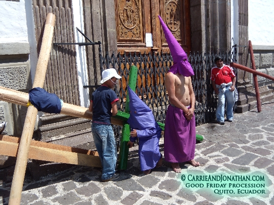 Good Friday in Quito: Boys with teenager who's about to carry a cross
